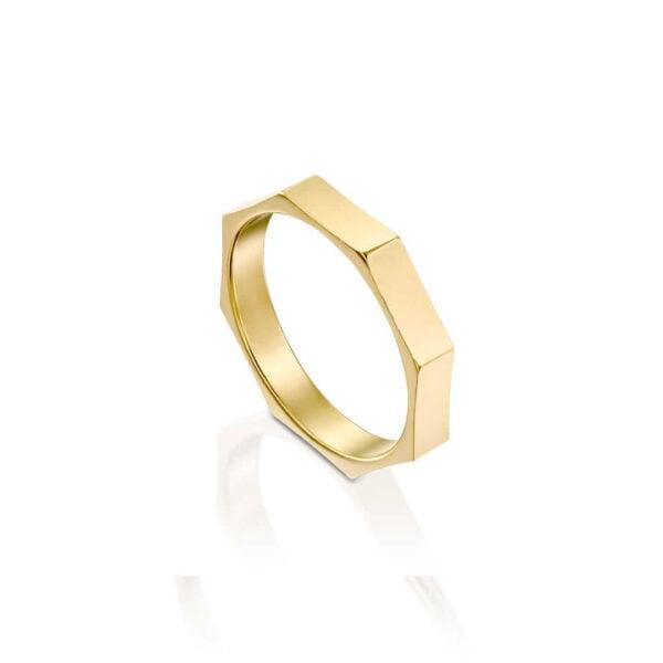 טבעת מוניקה