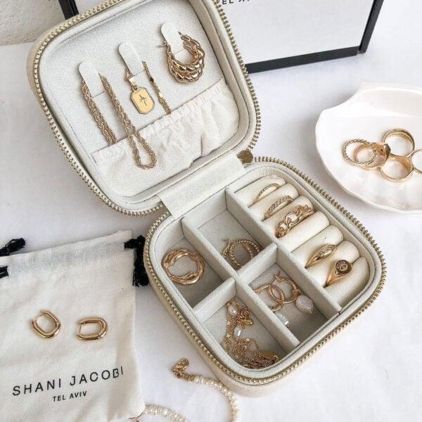 קופסת תכשיטים